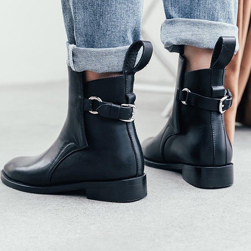 Donna 2019 ฤดูใบไม้ร่วงรองเท้าหนังผู้หญิงสีดำแบนข้อเท้ารองเท้าผู้หญิงรอบ Toe รองเท้าส้นสูงหัวเข็มขัดเชลซีรองเท้าผู้หญิงรองเท้า-ใน รองเท้าบูทหุ้มข้อ จาก รองเท้า บน   3