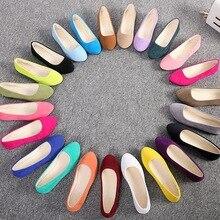 Женская обувь на плоской подошве; коллекция года; лоферы из искусственной замши; обувь ярких цветов; женская обувь на плоской подошве с мехом; теплая женская обувь; Черные Водонепроницаемые Мокасины