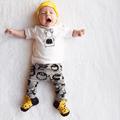 Novo 2017 moda bebê menino roupas algodão cartoon-manga curta t-shirt + calças roupas infantis 2 pcs terno conjuntos de roupas de bebê menina