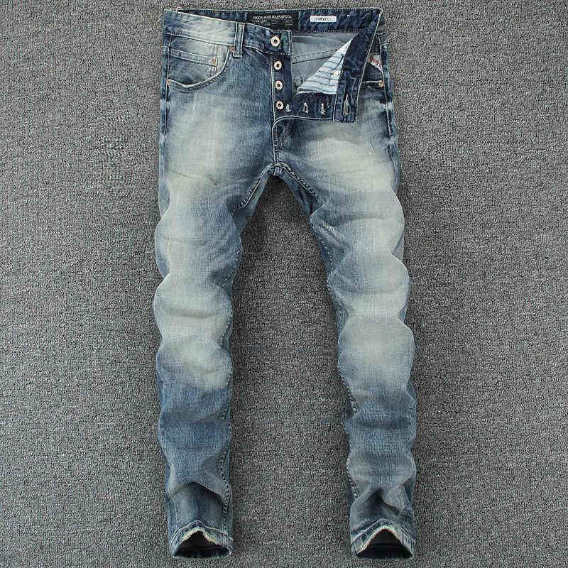 イタリアのデザイナーの男性のジーンズライトブルースリムフィットデニムボタンパンツ古典的なシンプルなジーンズオム綿ブランドのジーンズの男性