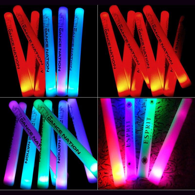 100/150 pz Led light Stick Con Il Marchio Su Misura Tifo Bastone di Incandescenza LED Si Accendono Bastone della Gomma Piuma Per La Cerimonia Nuziale Forniture Festa di compleanno