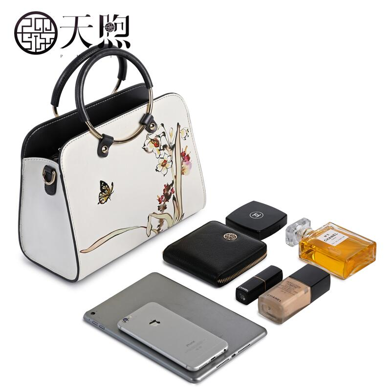 Famous brand top quality Cow Leather women bag 2018 new fashion embroidered leather handbag bag High-capacity tote bags 2016 famous brand large real leather tote bag female cow leather handbag high end women vintage bag black casual top handle bags