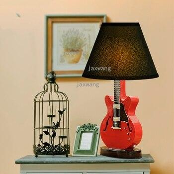 Chambre d'enfant dessin animé guitare Table lampe chevet chambre américaine Creative bureau lampe moderne chaud décoratif rouge Lampara De Mesa