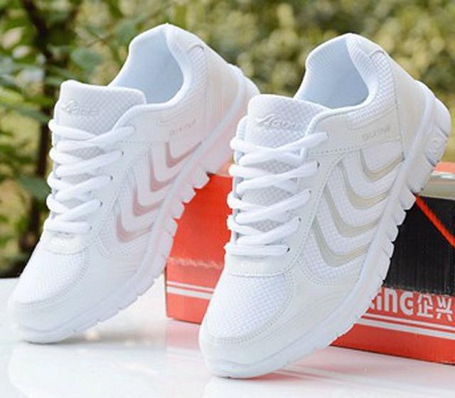 Zapatos de mujer 2019 nuevas llegadas moda tenis Femenino luz de malla transpirable zapatos de mujer zapatos casuales zapatos de mujer Zapatillas de deporte entrega rápida