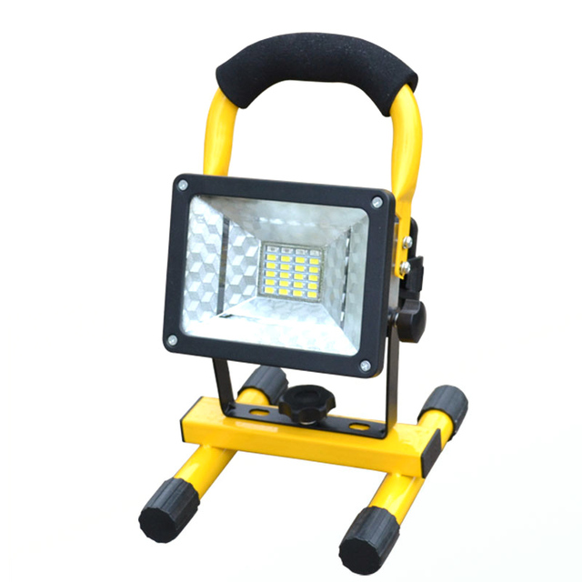 Rechargeable LED Floodlight Portable Spotlight Movable Outdoor Camping Light 24led Grassland Power from 3*18650 Batteries