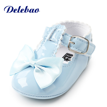 Delebao New Butterfly Gridding Design Baby Shoe Buckle Strap PU Heart Design Infant Toddler First Walkers цена 2017