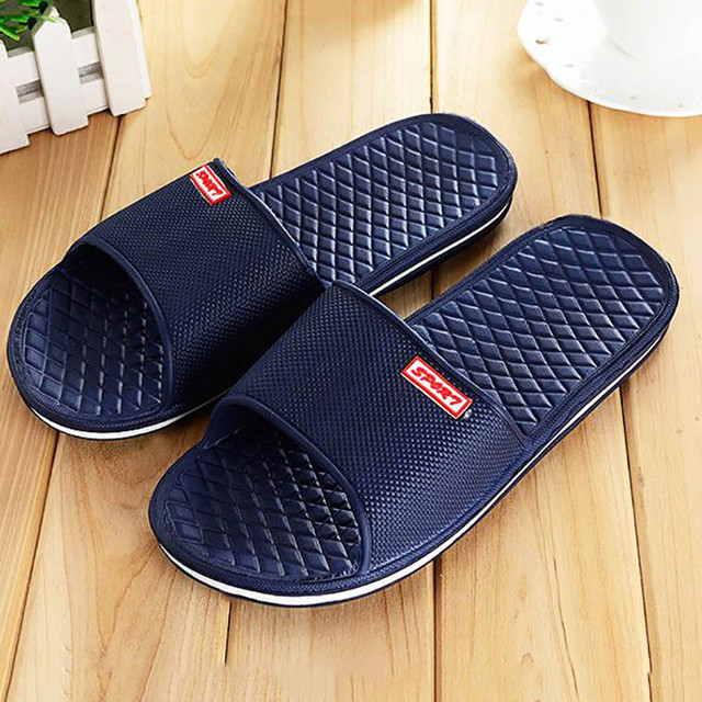 a9b2d731a Men Shoes Solid Flat Bath Slippers Summer Sandals Indoor   Outdoor Slippers  Casual Men Non-Slip Flip Flops Beach Shoes Size41-44