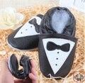 De Calidad superior Genuino de Bebé de Cuero Zapatos de Los Muchachos Guapos Prewalker Primeros Caminante Recién Nacido Suave Zapatilla de Entrenamiento