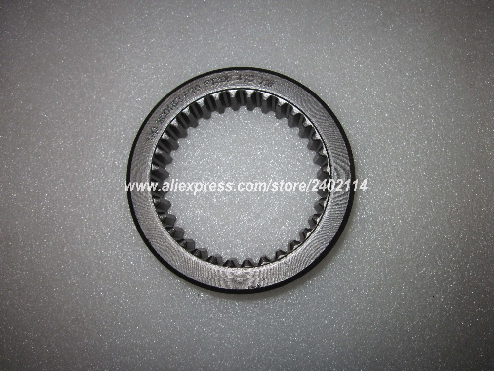 Foton Lovol FT454 LZT454 tractor parts, the messing sleeve for PTO , part number:FT300.41C.116 foton lovol tractor parts ft404 ft454 the main pressure disc part number ft400 21b 113