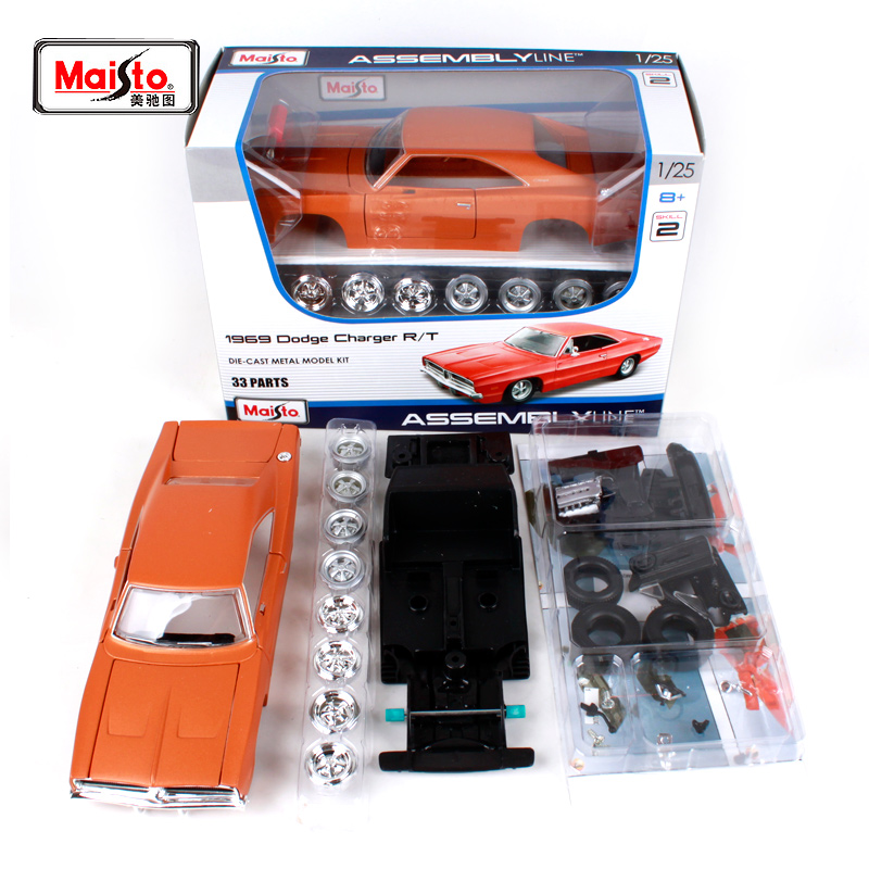 Maisto 1:24 1969 DODGE Charger R/T Assembly DIY Diecast Model Car Toy New In Box Free Shipping 39256 maisto 1 24 2008 dodge challenger srt8 assembly diy diecast model car toy new in box free shipping 39280