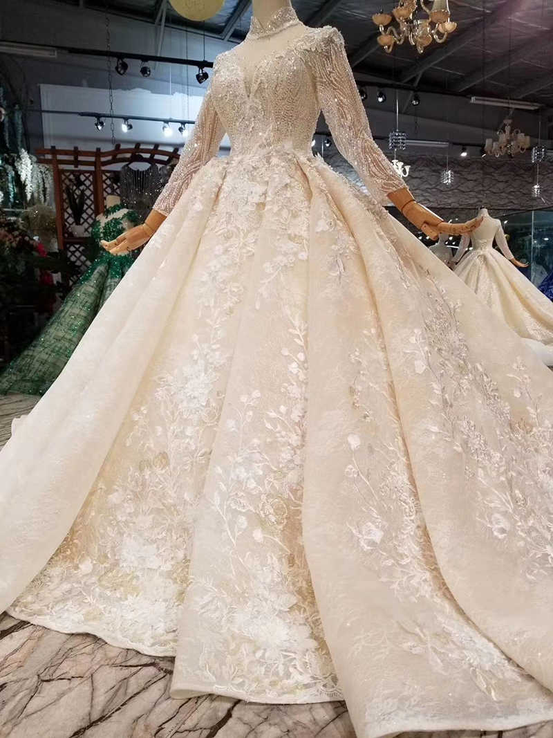 bbc2366971 LSS445 luxury muslim wedding dresses high neck long tulle sleeves beaded  wedding gowns 2019 lace flowers long train bridal dress
