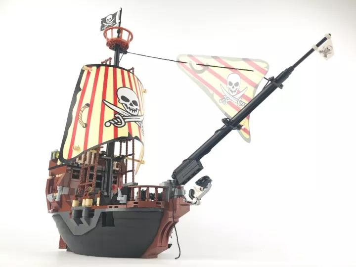 484pcs Pirates of The Caribbean Black Pearl Ship Building Block Brick Figures Compatible DIY Model Toy large block black pearl model ship set 3d block brick plastic diy building blocks gift children compatible educational toy