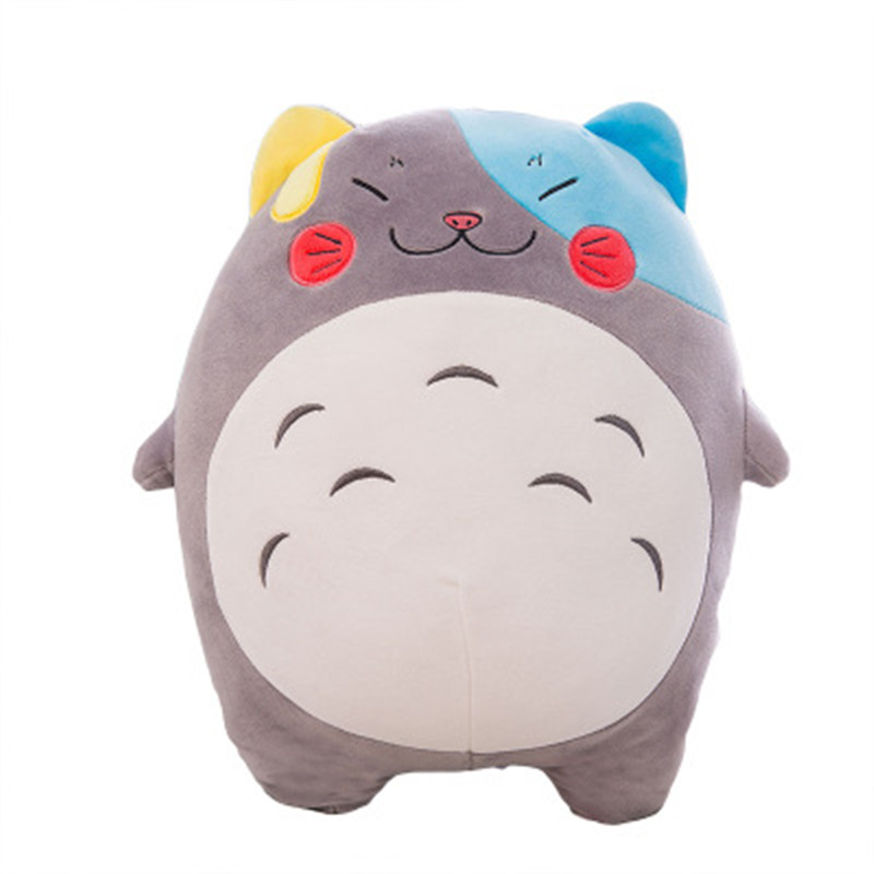 Hot-selling Totoro Pillows Watching TV and sleeping are good choices and can ease your mood. Very cute and different size option