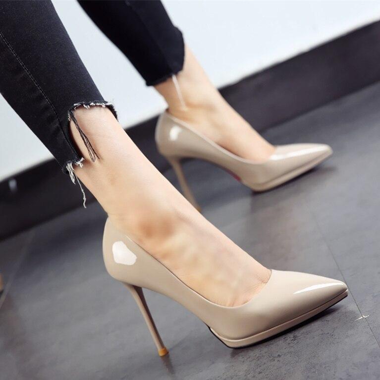 Version coréenne des chaussures de travail noires 2019 automne nouvelles chaussures pointues en cuir verni plate-forme à talons fins chaussures de mode pour femmes