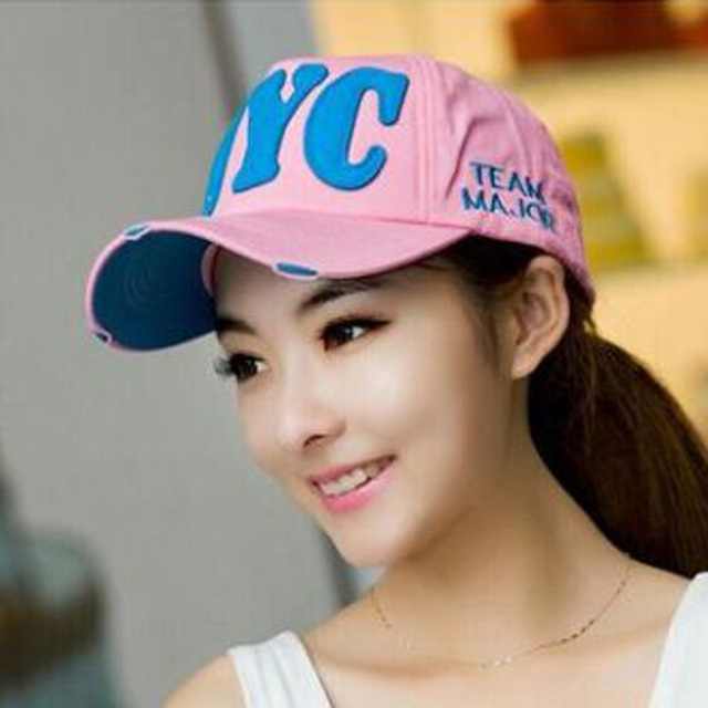 2017 South Korean Baseball Caps Brand Men And Women Snapback Letter Summer  Hip Hop Cap Capsleisure peaked Hat 9 Colors 2201 161bc7af103
