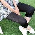Новый черный вертикальная полосатый глянцевая обрезанные леггинсы женщины среднего теленок тренировки леггинсы спандекс леггинсы карандаш брюки legins tayt