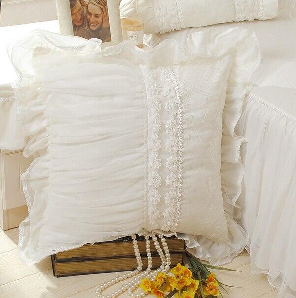 Royal lace edge ruffled decorative throw pillow almofadas case for sofa car bed chair