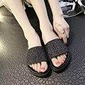 2016 Verano Playa de La Venta Caliente Mujeres Sexy Lentejuelas Pisos Zapatillas Bling del Deslizador de los Zapatos Peep Toe Casual Cómodo Tamaño Grande de LA UE 35-39