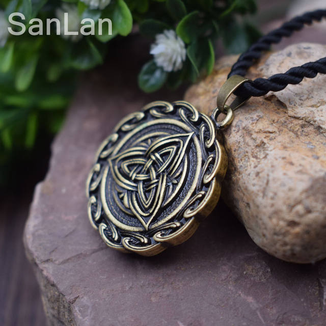Online Shop Trinity Knot Engraved Grey Stone Celtic Love Knot Symbol