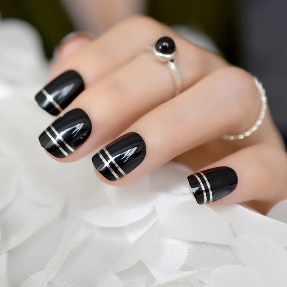 Black UV Gel Cover Nail Art Tips Silver Metallic Line Decoration Short Press On Nails Quality Manicure Tips for Ladies Finger