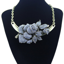 New Fashion Huge Flower Pendants Statement Necklace for Women