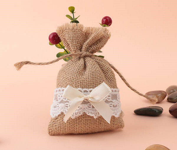 New Arrived Wedding Favor Bags With Lace And Ribbon Burlap Jute Bags Rustic Wedding Canyd Gifts