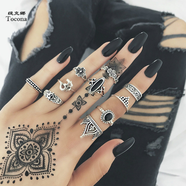 Tocona 10pcs/Set Bohemia Antique Silver Crown Star Moon Flower Carved Rings Sets