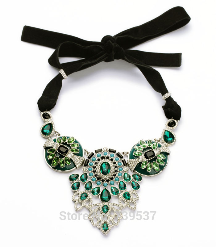 2017 Elegant Jewelry Green Noble Green Hollow Out Filigree Ribbon Necklace For Women