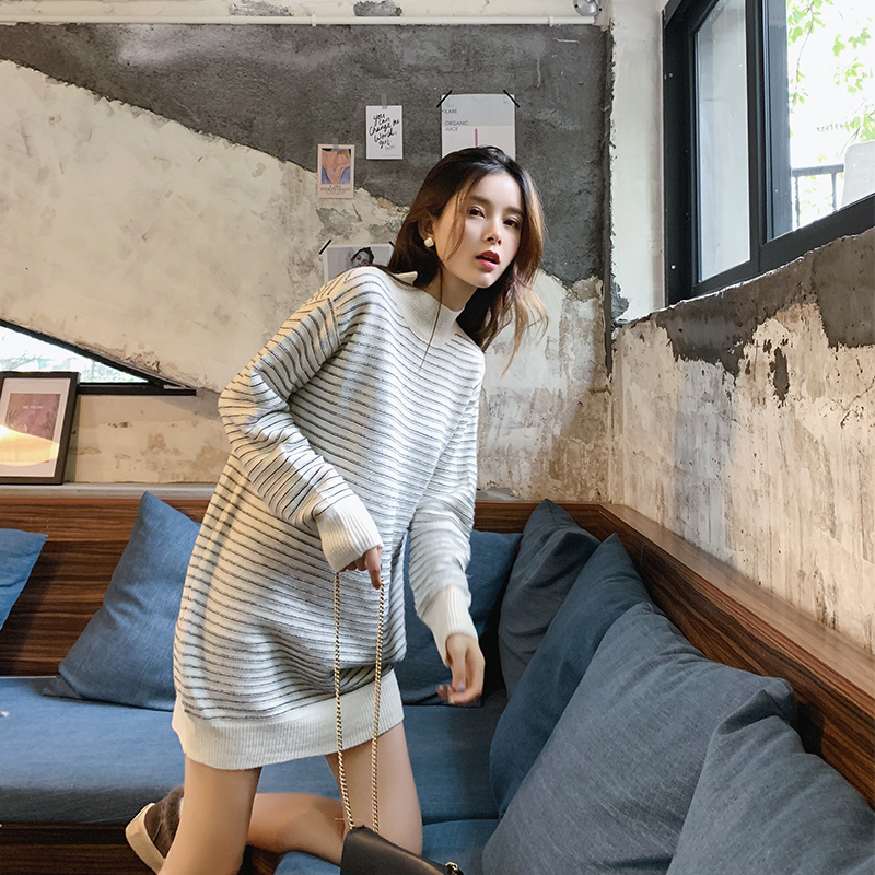 2019 MISHOW Autumn Long Sweater Women Causal Around Neck Stripe Long Sleeve Thick Sweater Tops MX18D5715