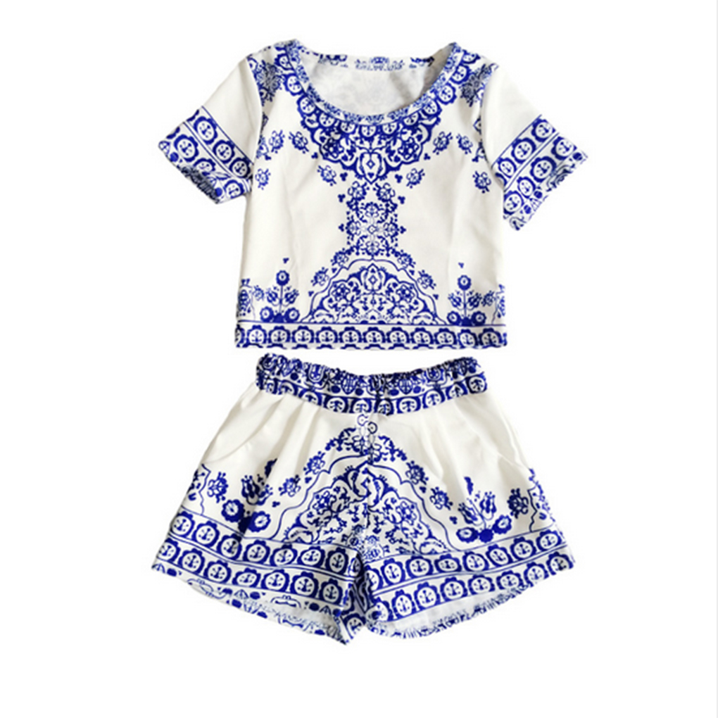 fb06d179487e23 2018 New suits Women Retro Vintage Tile Prints Blue White Porcelain Pattern Short  Sleeve Crop Top And Shorts Set Summer style-in Women's Sets from Women's ...