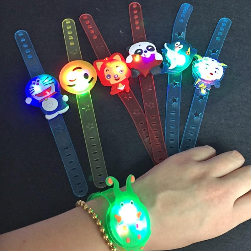 100st / lot Lovely Cartoon LED Light Armband Färgglada Ljushållande - Semester och fester - Foto 1