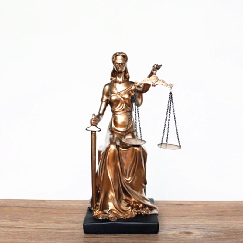 лучшая цена Greek Mythology Goddess Of Justice Themis Lady Justice Colophony Crafts European Style Retro Home Furnishing Articles G1010