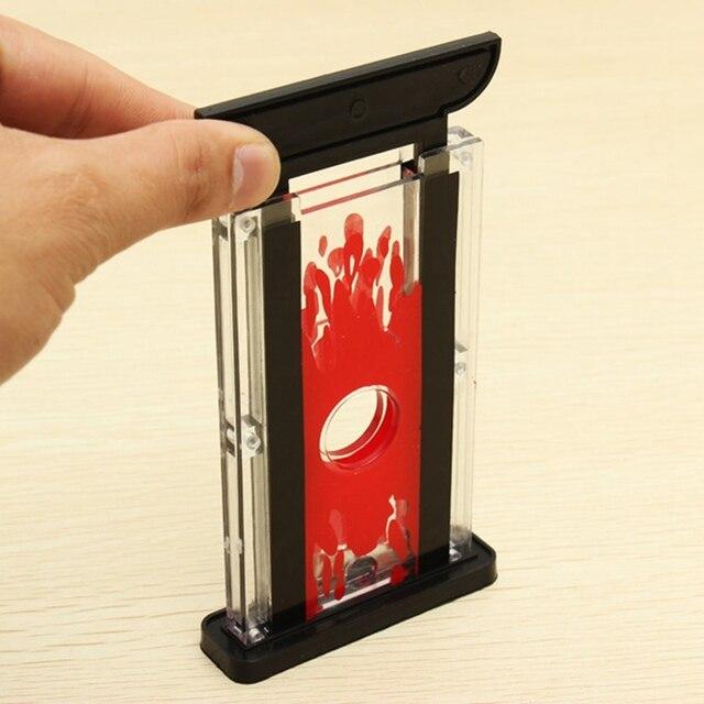 tour de magie guillotine coupe doigt