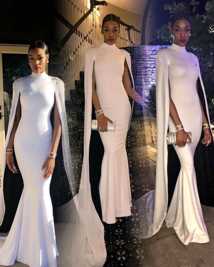 2019 sexy pas cher plus vestidos de gala col haut avec cape formelle robes de soirée sirène or robes de bal robe de soirée