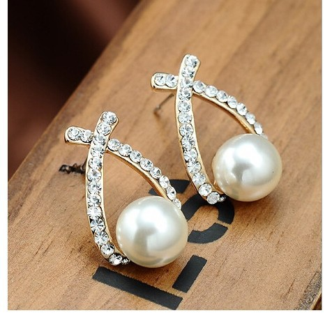 Free Shipping 2016 Fashion Gold Crystal Stud Earrings Brincos Perle Pendientes Bou Pearl Earrings For Woman