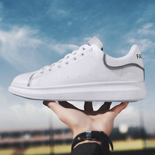2019 hot adult casual shoes mens and womens fashion breathable teenager luminous strip couple leather
