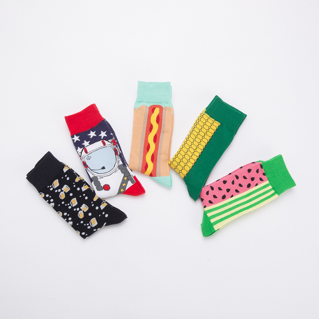 Jhouson 1 pair Colorful Men's Cotton Crew Funny Socks Watermelon Corn Spaceman Pattern Novelty Skateboard Socks For Gifts 2