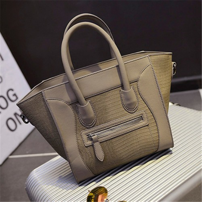 Women's Leather Handbags 2017 Solid Color Shoulder Bags For Women Messenger Bags Casual Tote Big Size Smile Bag Trapeze Bag