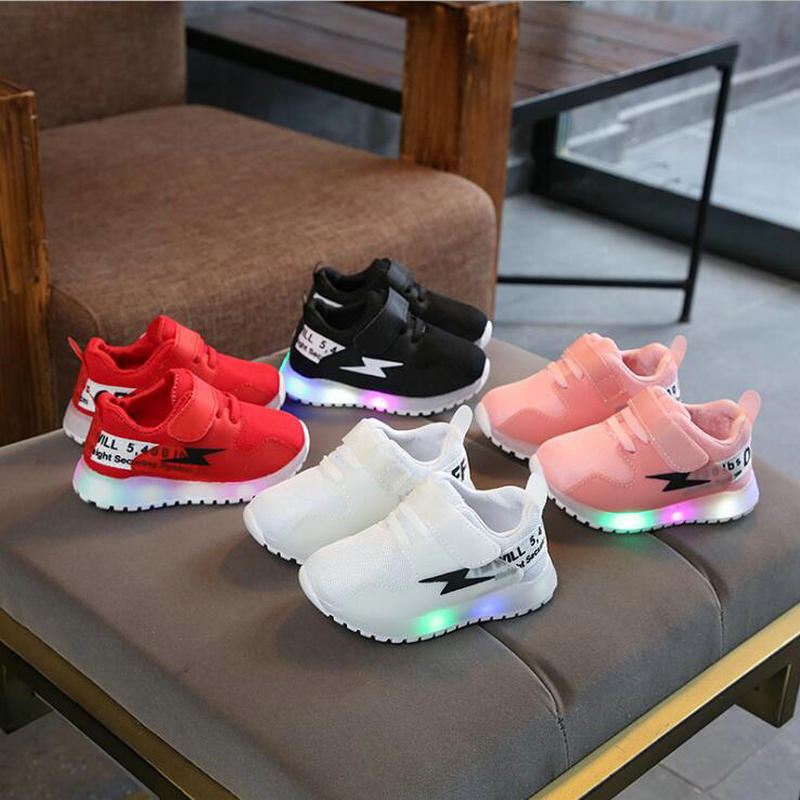 Children Glowing Sneakers With light LED Luminous Casual Shoes Boys Girls Toddler Flashing Breathable Mesh kids Sports shoesChildren Glowing Sneakers With light LED Luminous Casual Shoes Boys Girls Toddler Flashing Breathable Mesh kids Sports shoes