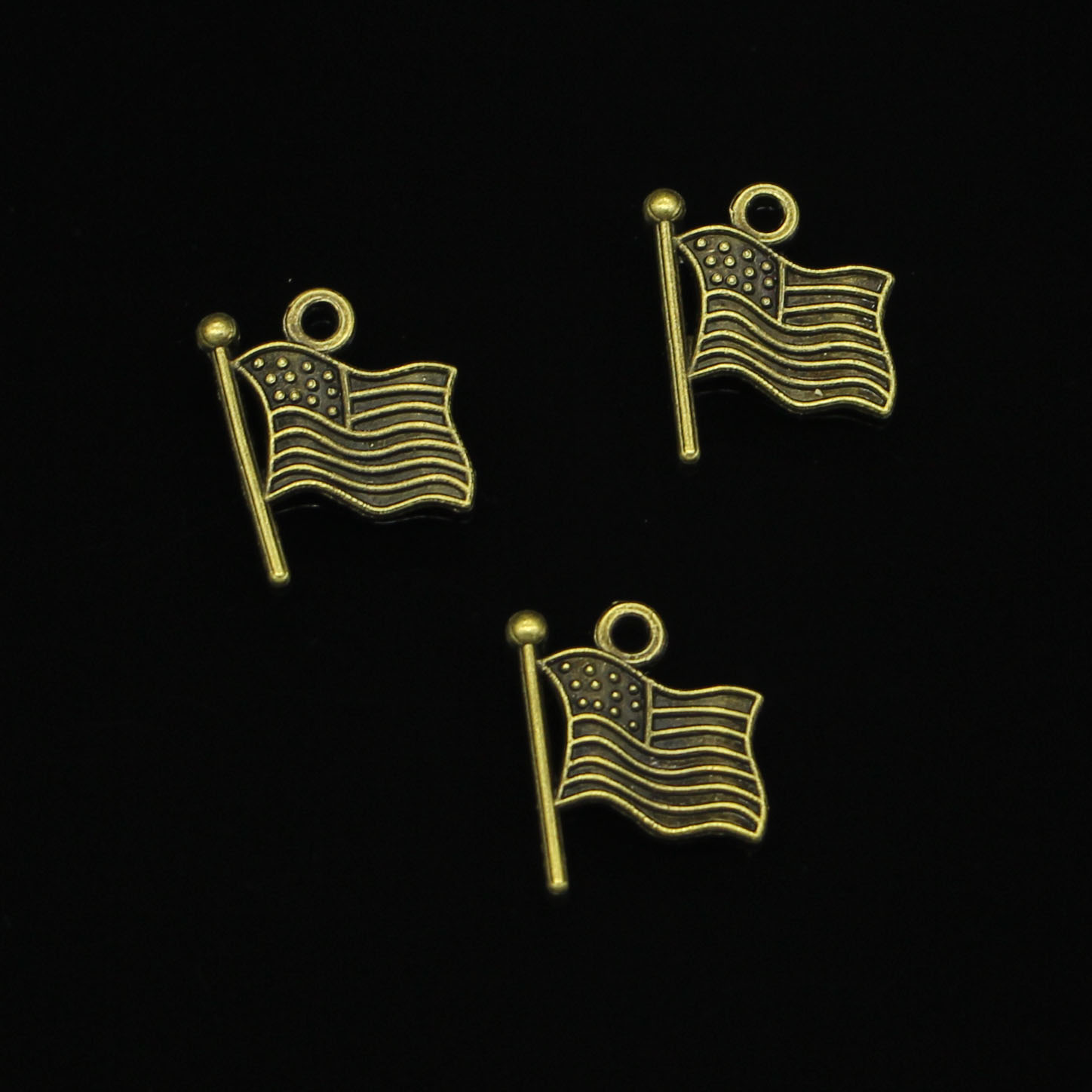 25pcs Antique Bronze usa flag Charms for DIY Bracelets Jewelry Findings 12mm