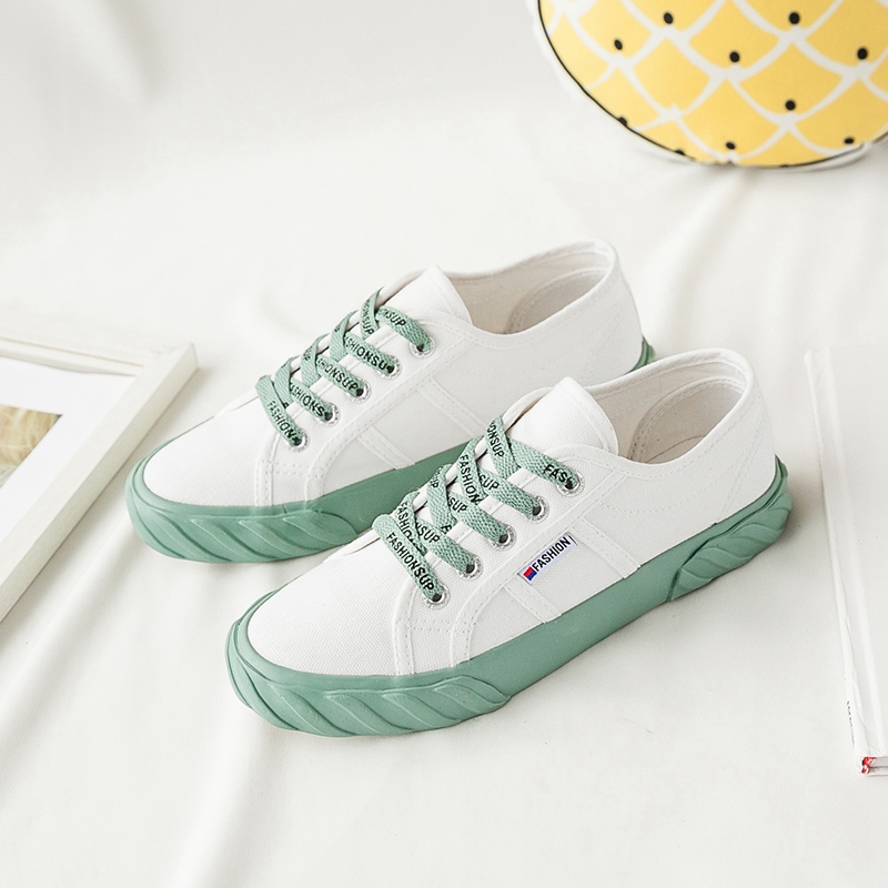 White shoes woman shoes 2019 spring and summer new low to help canvas shoes net red wild breathable single shoes wide shoesWhite shoes woman shoes 2019 spring and summer new low to help canvas shoes net red wild breathable single shoes wide shoes
