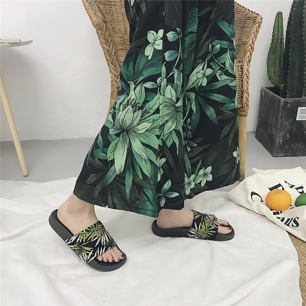 77afe417e19a2f Women Slides Summer Platform Slippers Women Fashion Shoes Green Leaves Flip  Flops Sandals Holiday Beach Slides Zapatillas Mujer-in Slippers from Shoes  on ...
