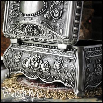 Big Size High Quality Vintage Flower Carved Zinc alloy Metal Trinket Box Jewelry Box Necklace