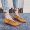 2016 Nuevas Mujeres Atractivas Señaló Botas de Gamuza Botas Bajas de Otoño las mujeres Zapatos de Tacón Pequeño 4.5 cm Negro Gris Botines Botines Mujer