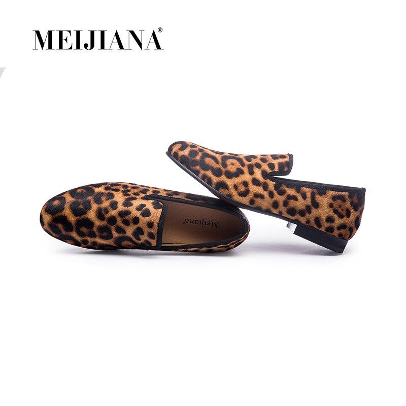 새로운 수제 레오파드 남자 레드 하단 로퍼 신사 럭셔리 패션 스트레스 신발 파티 스팽글 신발 남성 캐주얼 신발-에서남성용 캐주얼 신발부터 신발 의  그룹 1