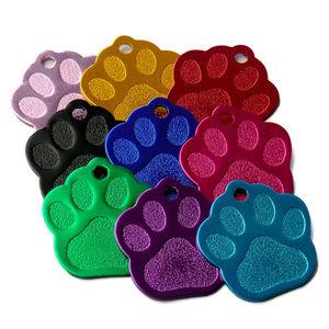 Image 2 - 卸売 100 個 3D 絶妙なポウシェイプ犬 ID タグカスタム刻ま名電話番号猫犬 ID タグペット用品