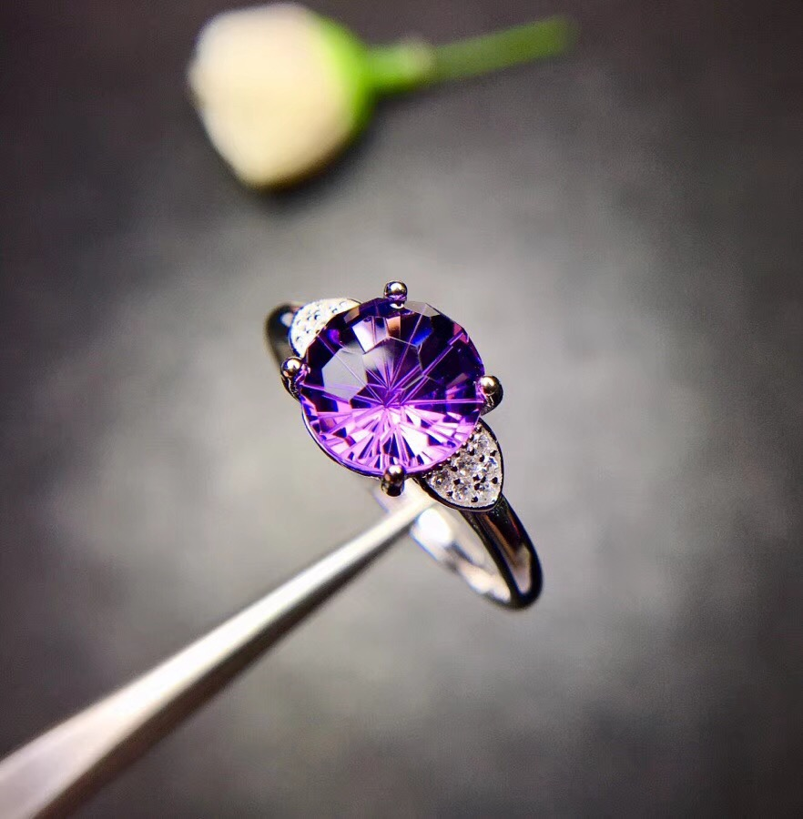 Natural amethyst ring, 925 silver, the price is suitable, shop promotional productsNatural amethyst ring, 925 silver, the price is suitable, shop promotional products
