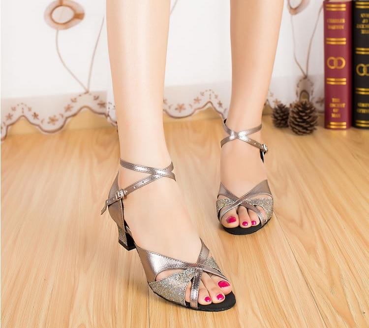Women/'s Low Heeled Ballroom Latin Dance Shoes Square Heels Salsa Dancing Sandals