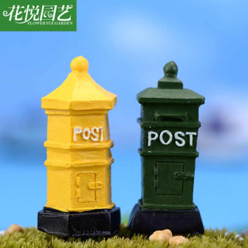 Buzón de correos ZOCDOU 1 pieza Nostalgia Postbox Postman Europa Polonia calle pequeña estatua figura de artesanía ornamento miniaturas Decoración