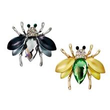 Popular Enamel Pins Honey Bees Brooch Pin Delicate Alloy Rhinestone Christmas Gifts Cute Lapel Jewelry for women kids